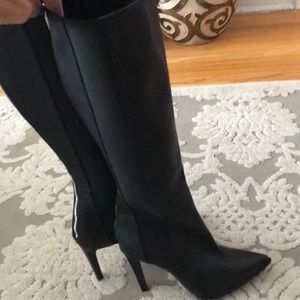 NWOT Calvin Klein leather boots